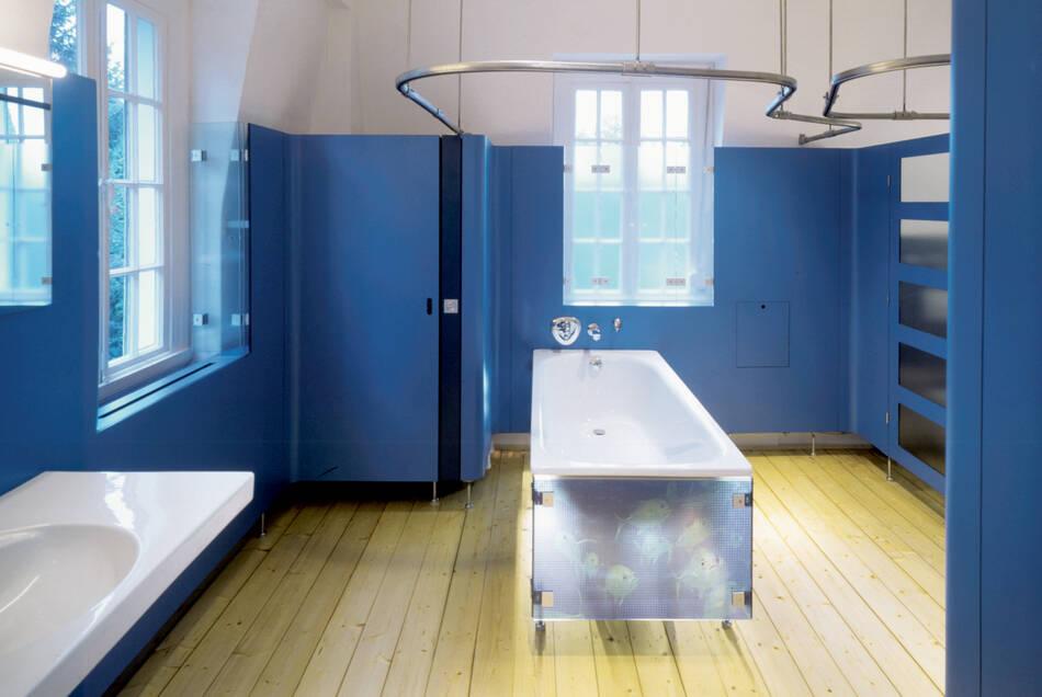 Badewanne ohne Vorhang